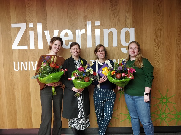 Study Advisors receive the educational bouquets
