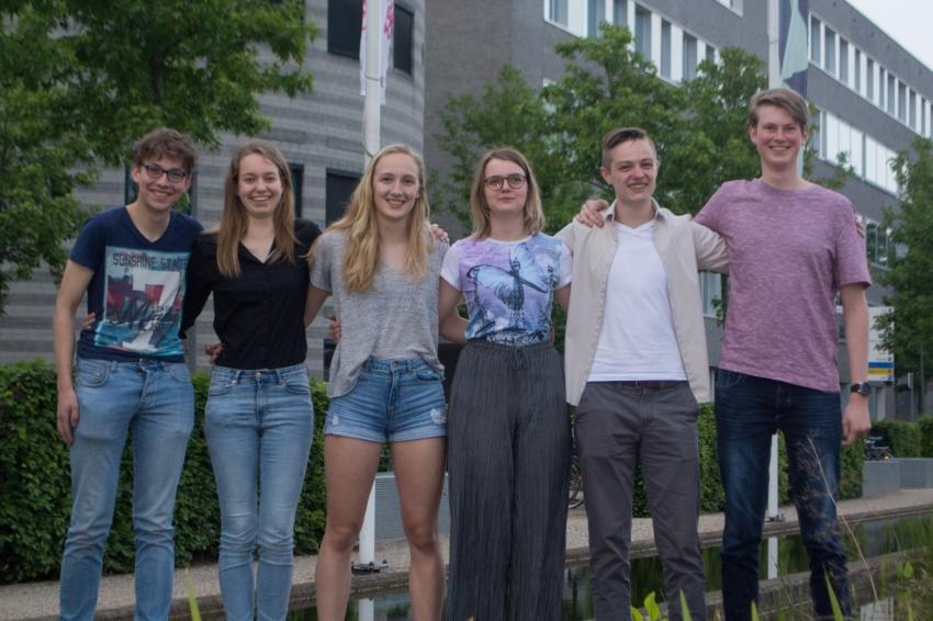 F.l.t.r. Ivo, Carlijn, Rosan, Emma, Willem & Michael